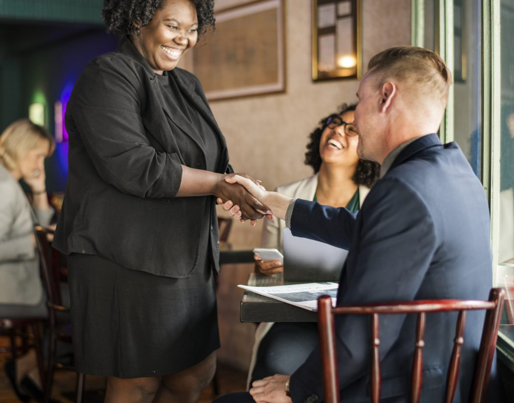 Sourcer et recruter lors des rencontres et d'événements